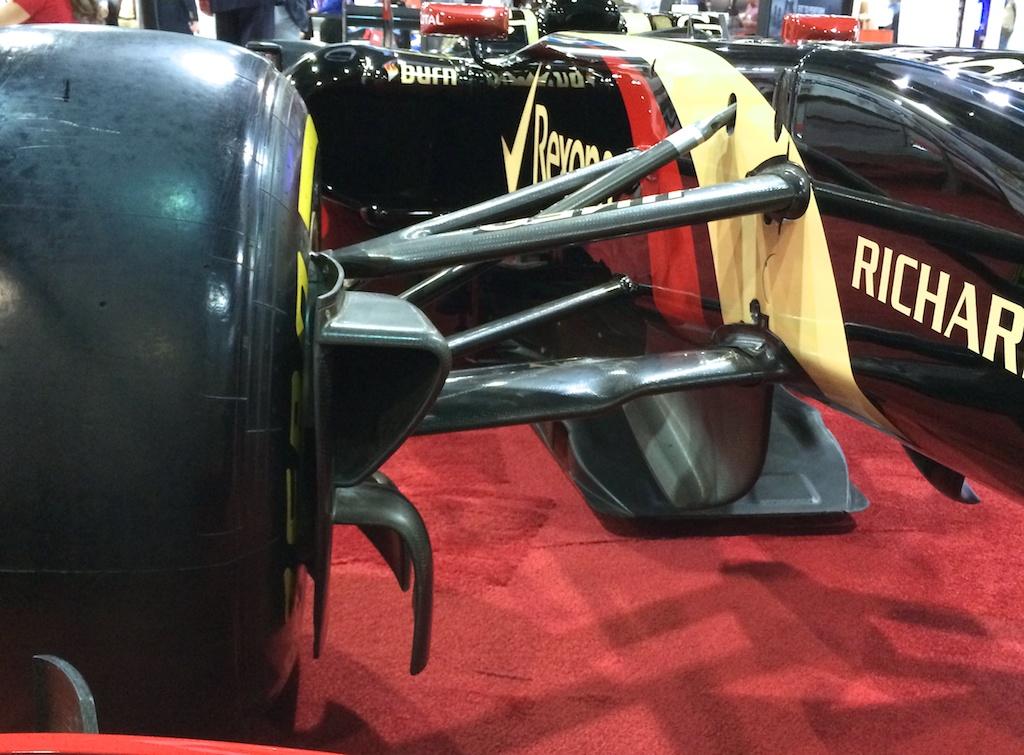 Lotus F1 R31 Tea Tray