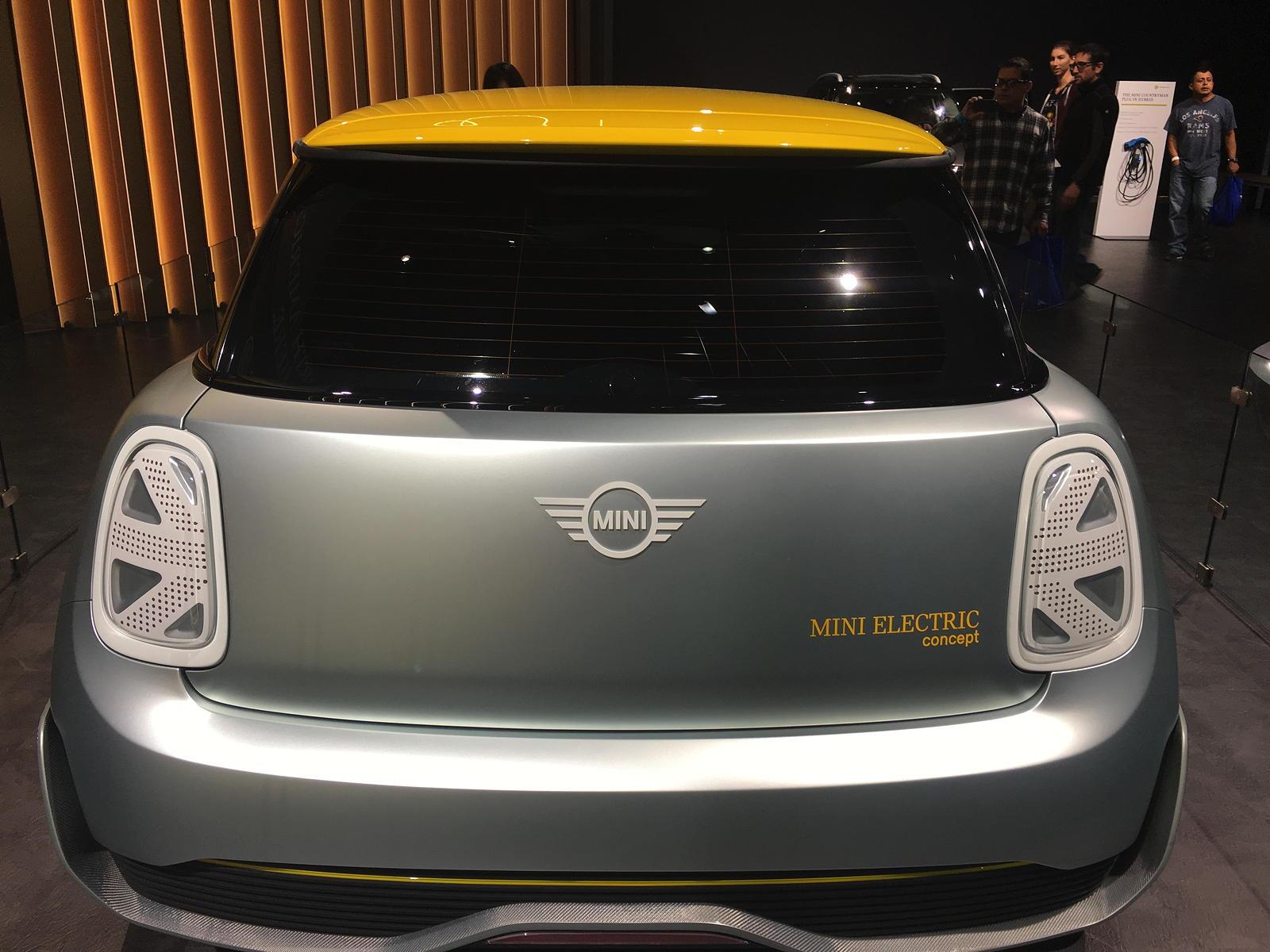 mini electric concept car at la auto show georgeco specr53 blog. Black Bedroom Furniture Sets. Home Design Ideas
